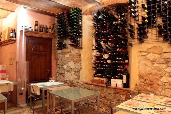uva e malto, ristorante grosseto, grosseto, wine storage, restaurant grosseto, cantina, enoteca, wine bar,