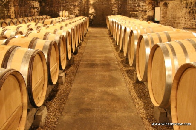 wine tasting, burgundy wine tasting, domain, vin, les grands jours de bourgogne, bourgognegjb, henri de villamont, julie simard, burgundy, bourgogne, borgogna, бургундия, вино бургундия, burgundijas vins, burgundija, chambolle musigny 1ier cru les baudes,chambolle musigny, les baudes, cru, 1er cru, pommard, wine cellar, france wine cellar, burgundy wine cellar, borgogna cantina, cantina, barriccaia, barrique