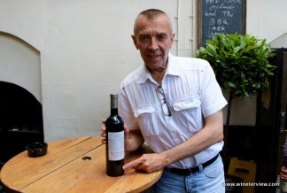 gordon's wine bar, gordon's london, wine bar, london wine bar, oldest wine bar in london, londra vino, gerard menan, wine lover, wine tasting, lebanese wine,